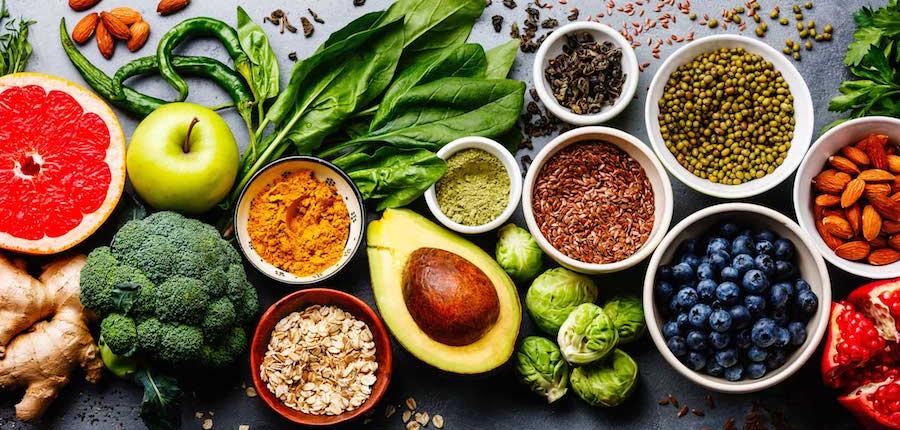 Вегетарианские и веганские диеты и риски тотальных и локальных переломов
